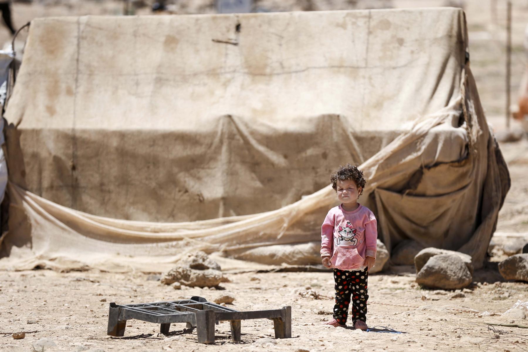 16292301-syrian-refugee-camp